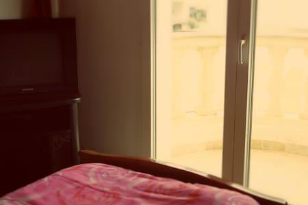 Calm room near Ariport - Ариана