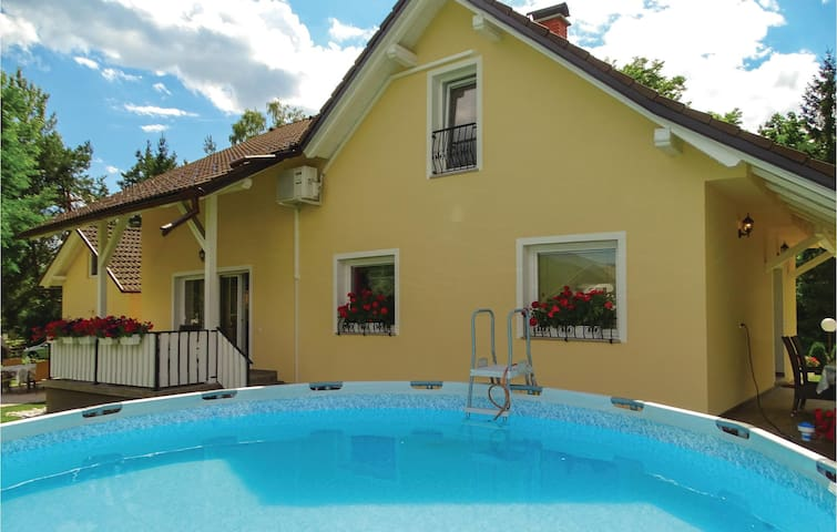 Holiday cottage with 4 bedrooms on 180 m² in Recica ob Savinji