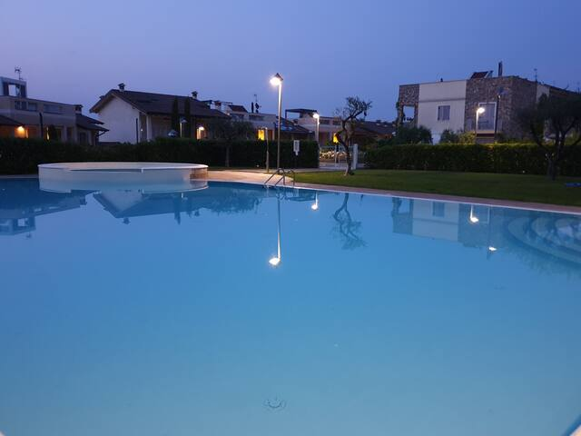 Sweet Apartment with pool In Peschiera del Garda
