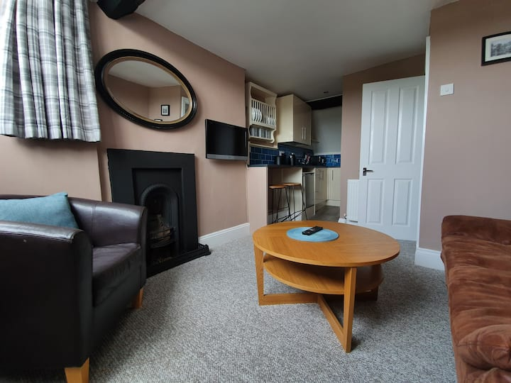 2 Bedroom flat, Ross on Wye Town with River view