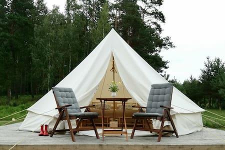 Glamping Club Bučeliškė, Lithuania ( lakeshore)