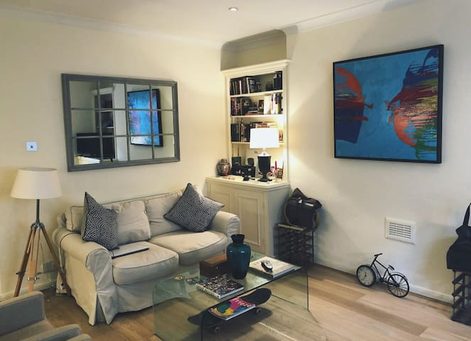 1 Bedroom, prime Chelsea, shared ap off Kings Road