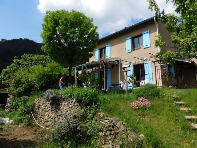 La maison bleu ressource