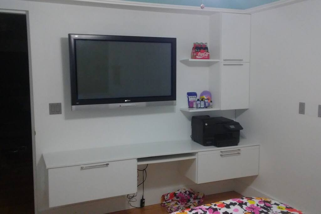 """this is the desk area with a 55"""" smart tv and wi-fi"""