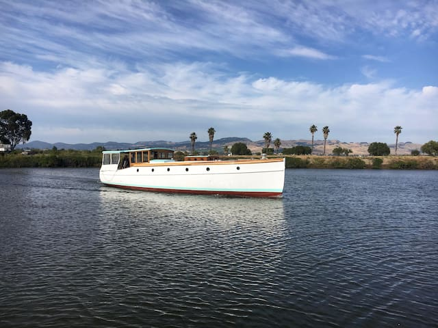 Step back in time on this beautiful classic yacht - Suisun City