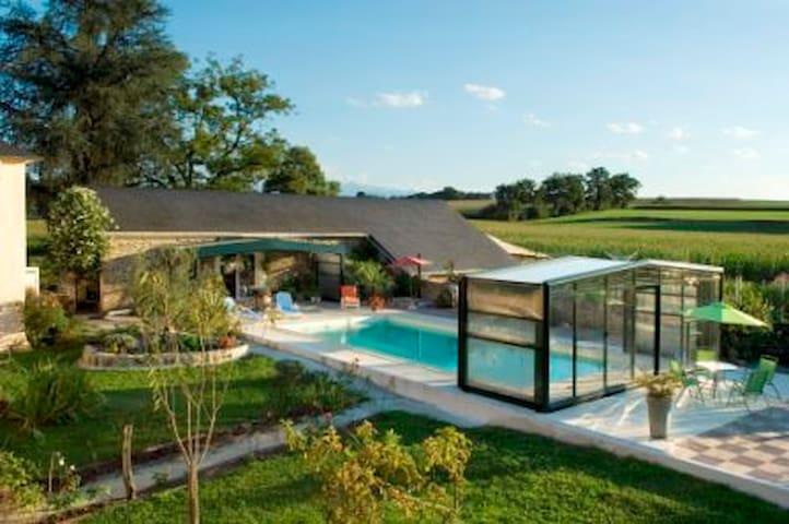 Gite à la ferme avec piscine chauffée 8 personnes