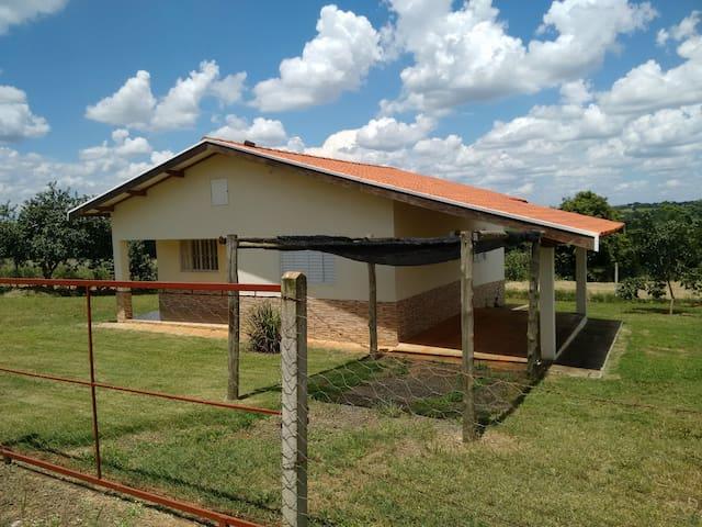 Casa simples e confortável em Holambra