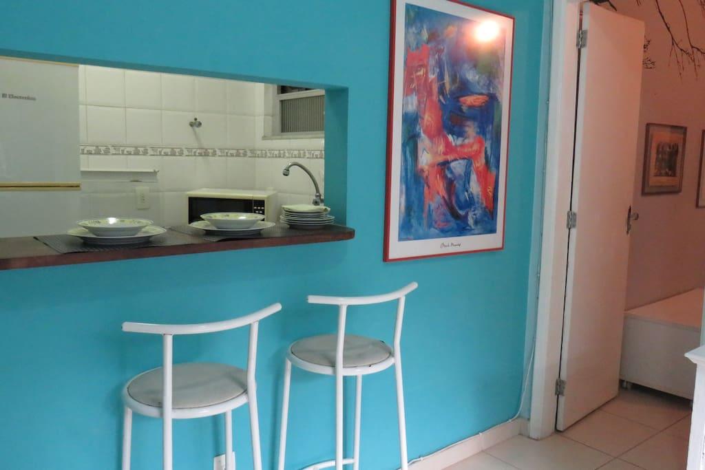▲ Vista da Sala para a Cozinha Americana e para a Suite ▲