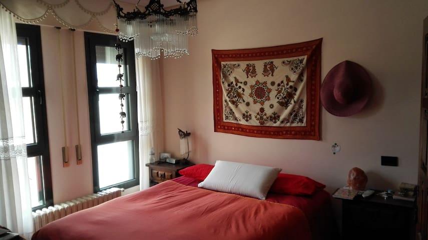 Piso 3 habitaciones, baño privado - Torrelavega - Apartamento