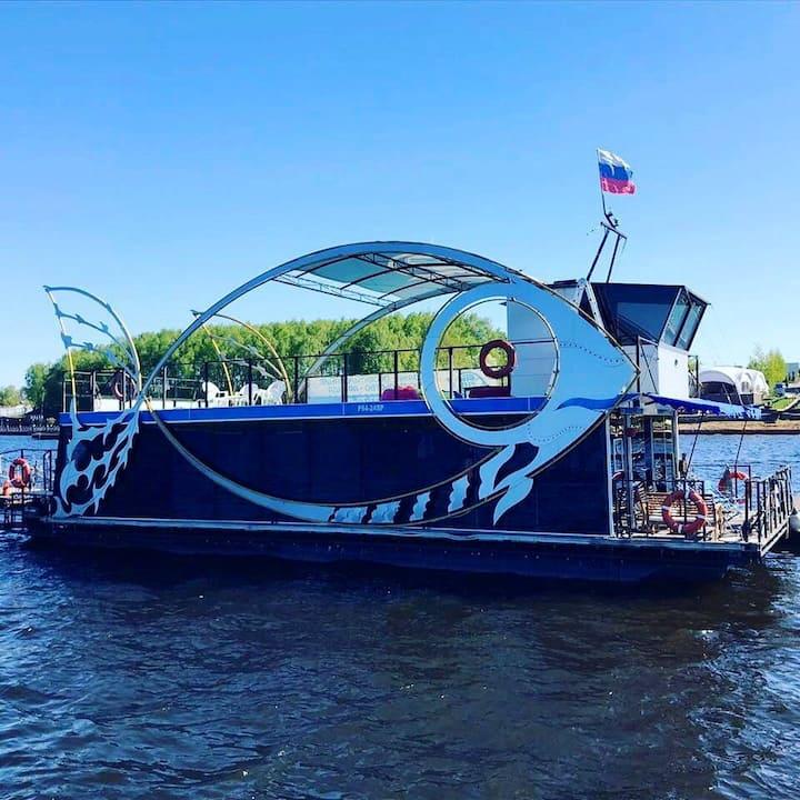 Плавдом MegaFish для отдыха на воде!