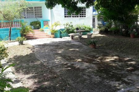 Chllin n Peaceful Beach House - Cerro Gordo