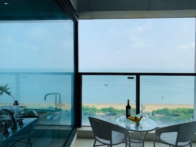 文颂海景大床房(14楼,房间配有电动车免费骑游)