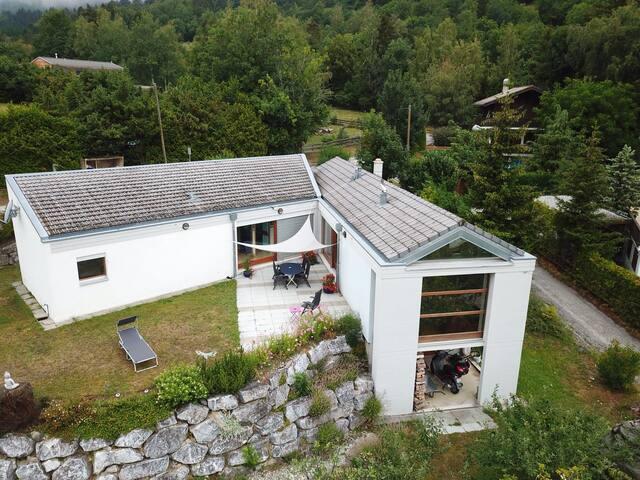 Maison familiale individuelle à Ayent Valais . La maison du bonheur
