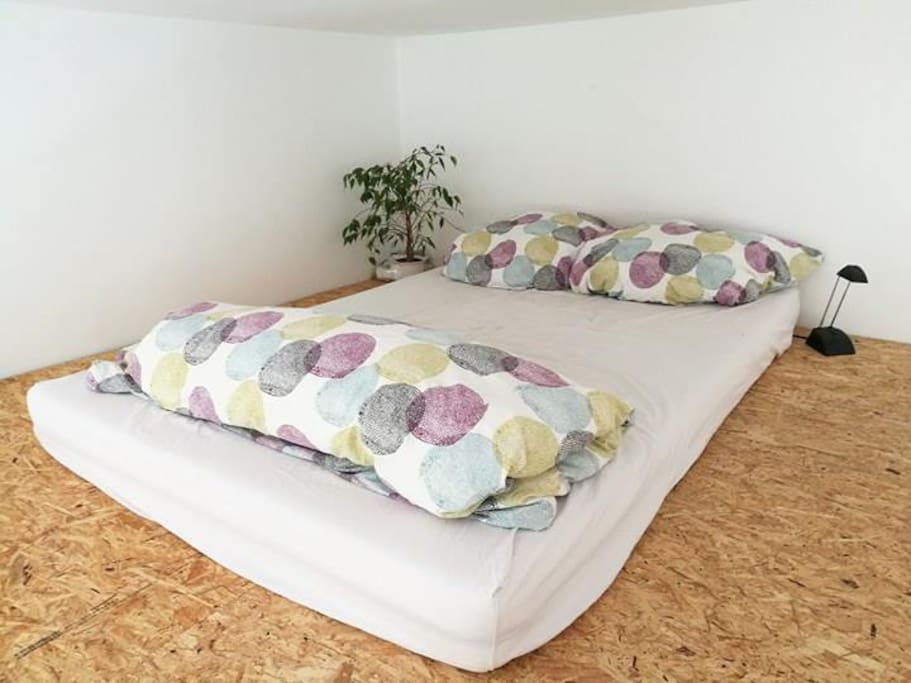upstairs | comfy bed | 1-2 people | size 1,40m
