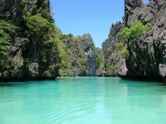 2 El Nido Town A/C & Hot water good for Couple - PH - Daire