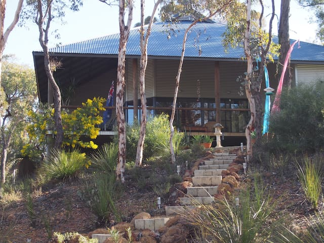 Chittering View Perth Hills Bushland Getaway - Moondyne - House