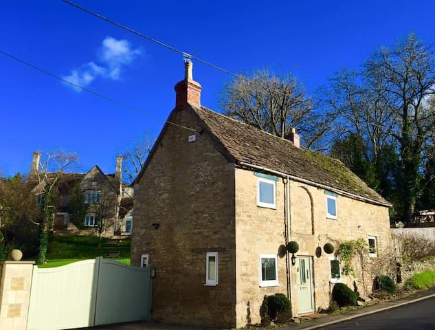 BEAUTIFULLY DESIGNED 2BD IN TETBURY - Tetbury - Hus