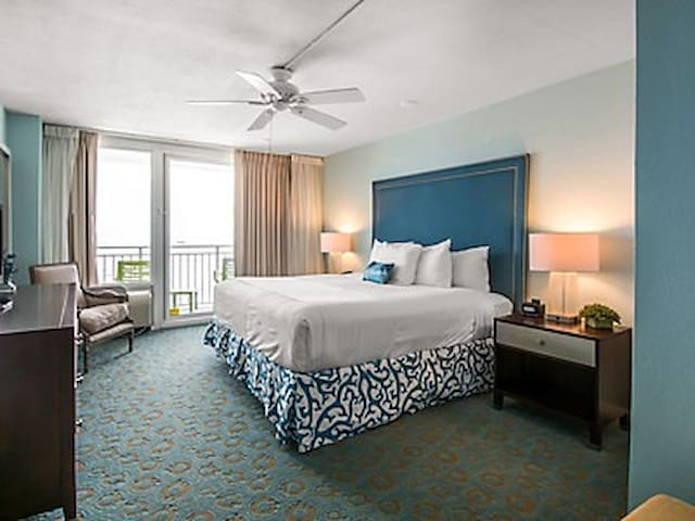Daytona Beach Oceanfront Unit during Race Weekend! - Daytona Beach - Timeshare (propriedade compartilhada)