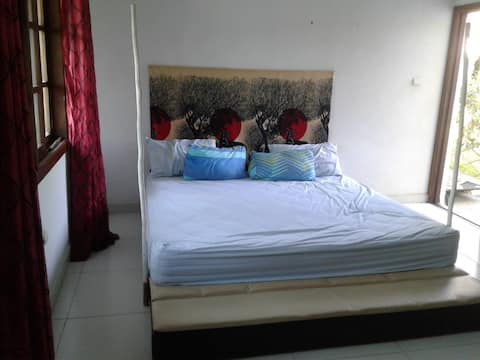Comfortable En-suite Room 25mins from Maputo