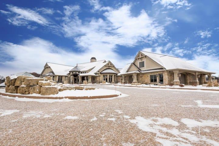 LUXURY ESTATE - 16,000 sq ft - 78 acres - PRIVACY