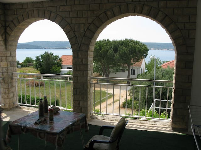 Studio Mary 2 for 2 pax - 30m from the sea