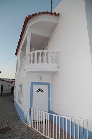 Arrendo casa Odeceixe (casas Santo António) - Odeceixe - Apartment