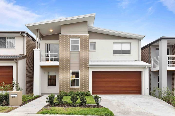 MBH21-Baulkham Hills Brand New 4 Bedroom House