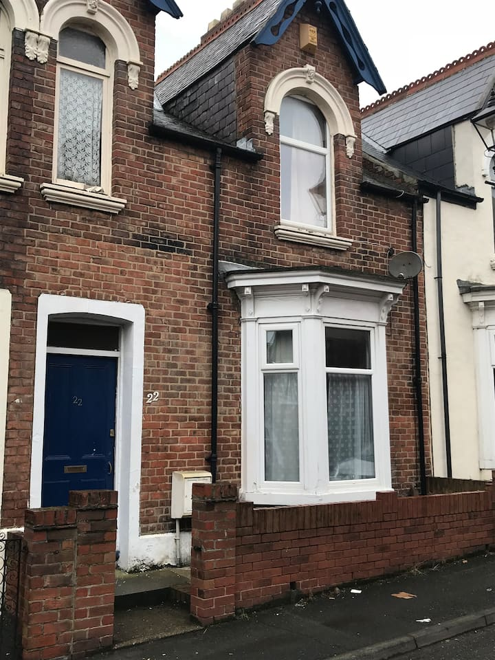 Spacious 4 bed city centre home with parking.