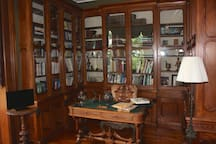 Library Where 4 US President including President Grant Conversed With T.G. Younglove.