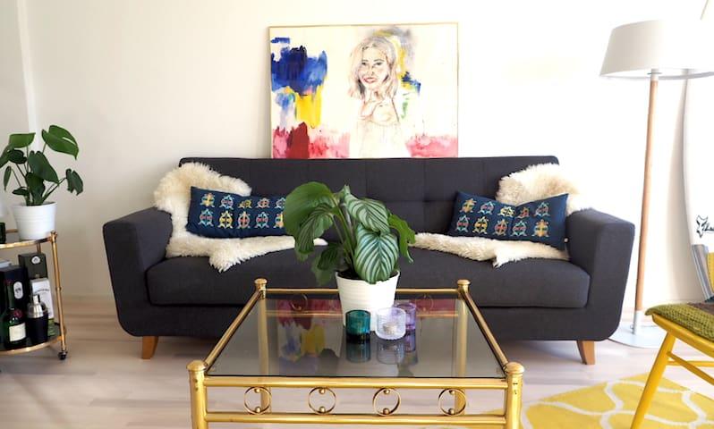 Spacious flat with dream location - Helsinque - Apartamento