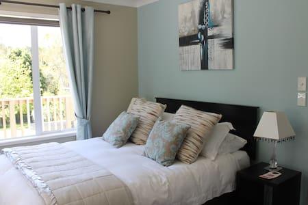 Double Luxury room with ensuite - Waipapa