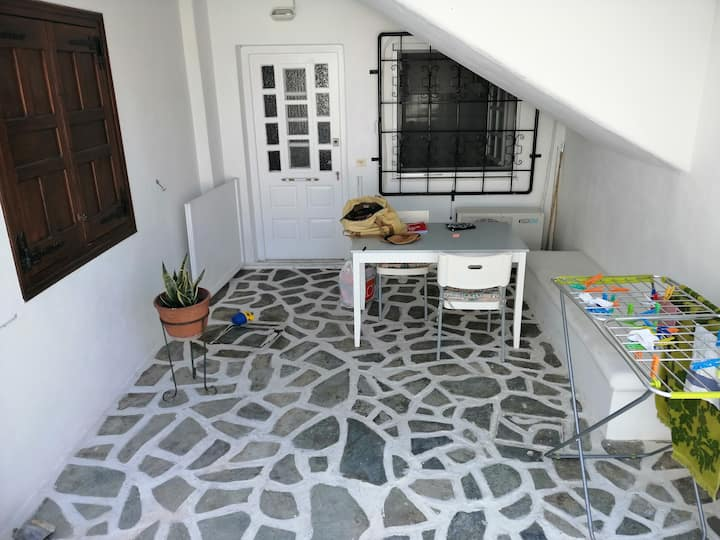 Renovated apartment in the heart of Paroikia.