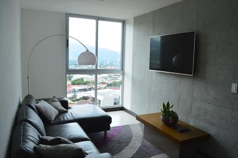 Luxury Penthouse,  24th floor, stunning's views!