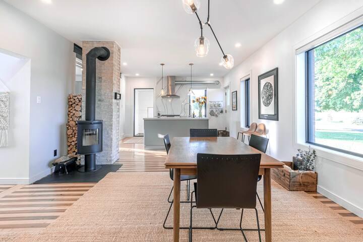 Modern Farmhouse Escape - Entire House