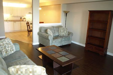 Large Furnished Apt in Bedford - Halifax - Andere