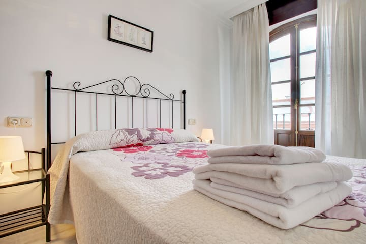 Ideal piso + parking en pleno centro de Ronda - Ronda - Apartament