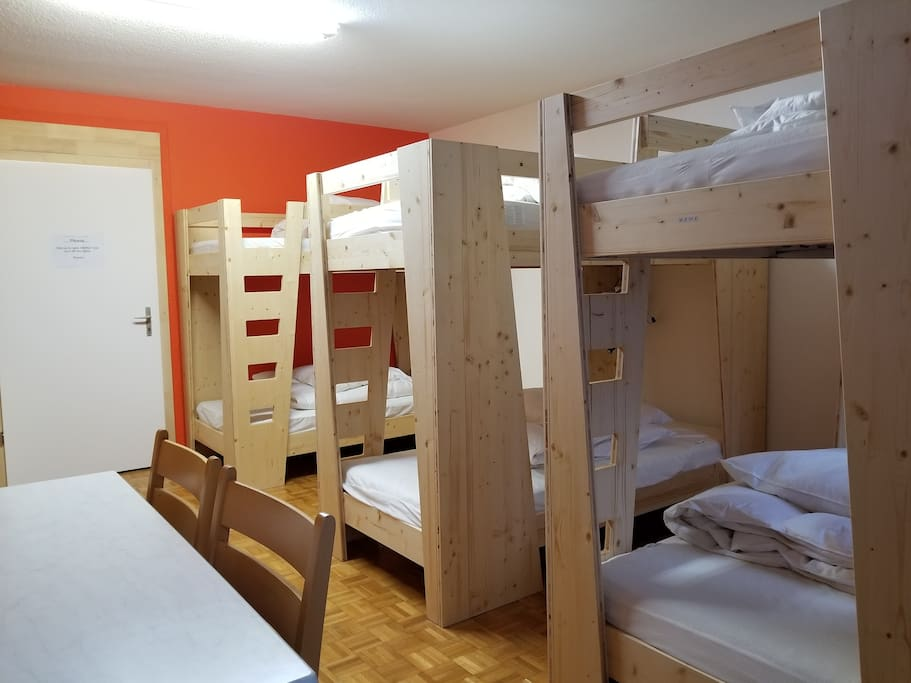 Privat room for 6 with shower, kitchen, TV