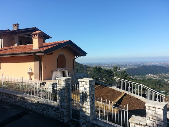 Casa Cinelli @ Mountains and Lakes - Brione - Talo