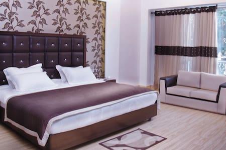 Haris court Inns & Hotels - New Delhi - Guesthouse