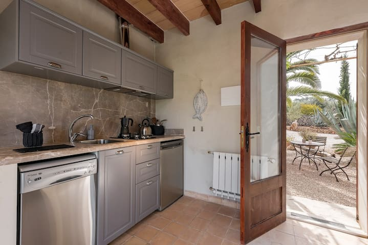 Fantastic finca apartment Redonda Dos with pool