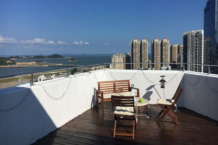 Ben's Guest House with Sea View Balcony