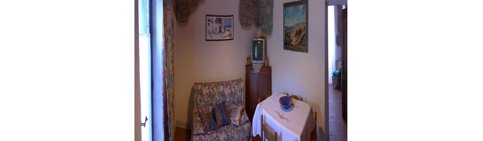 Bilocale in Toscana vicino alle Terme di Saturnia