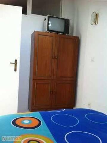 Habitacion con cama de 1,35