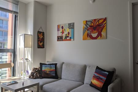 2BR 2Bath lux apartment, wheelchair accessible
