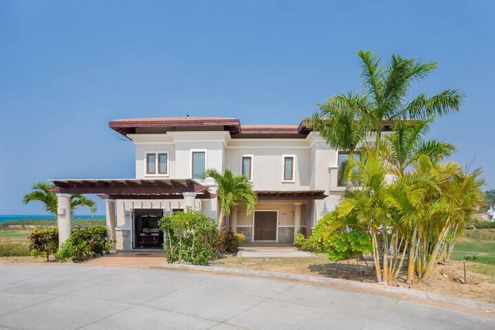 Luxury Villa + Golf