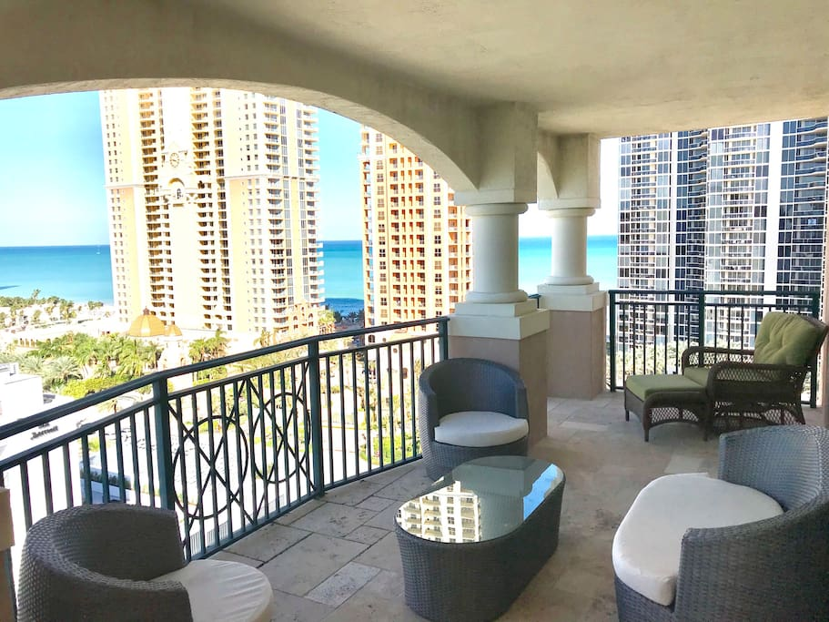 This corner apartment Penthouses in Sunny Isles Beach, with huge balcony has spectacular panoramic view ocean, city, intercoastal.