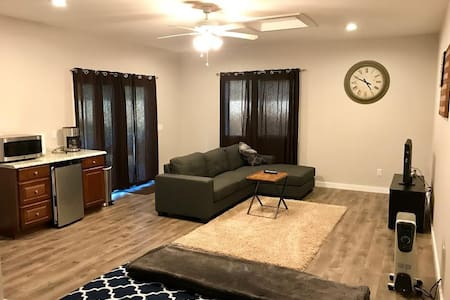 Comfortable, Suite Close to Everything - Thousand Oaks - Guesthouse