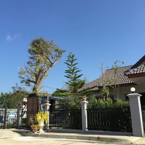 Hachib's house - Chiang Mai - Casa