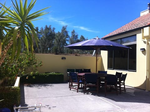 THE OLIVE BRANCH VILLA - Cooked breakfast included