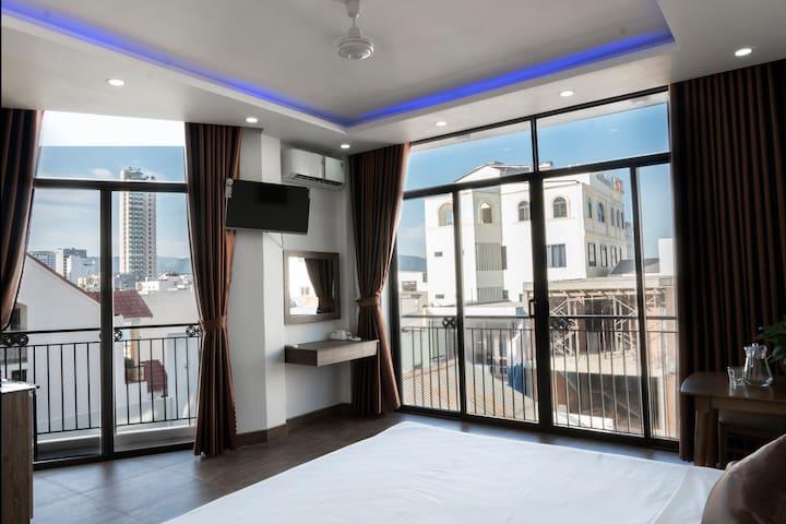 Mona Lisa cozy apartment-Sofa, King bed,balcony 2